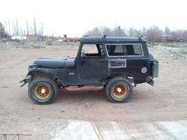Vendo.  Jeep ika