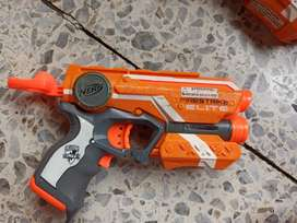Se venden 2 pistolas nerf