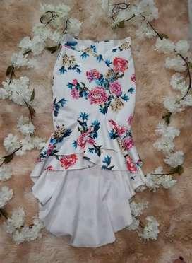 Faldas de fiesta Floreadas nueva y seminueva