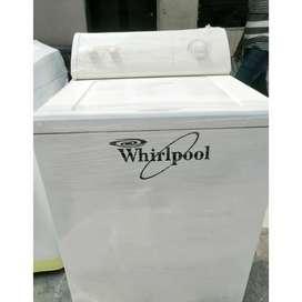 Whirlpool Americana de 32 libras. Recibimos tu lavadora usada como parte de pago.