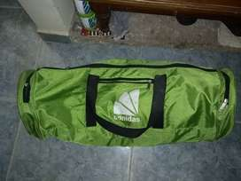 Maleta tipo cilindro para ir de camping color verde /estado 10/10