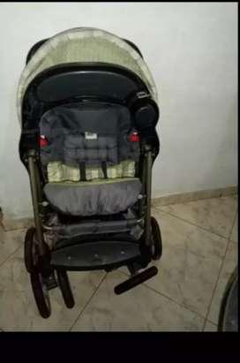 Vendo coche de bebè unicex marca graco en Perfecto estado un solo uso $90 negociable