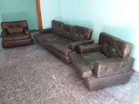 Juego de sillones: 3 cuerpos y 2 individuales