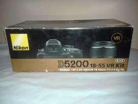 Vendo cámara profesional Nikon D5200