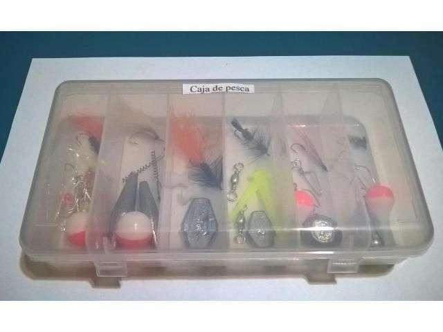cajita con 6 moscas y accesorios pesca 0