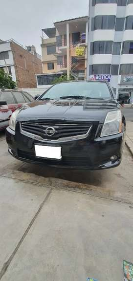 Se vende Nissan Sentra 2.0 2010. Modelo 2011.