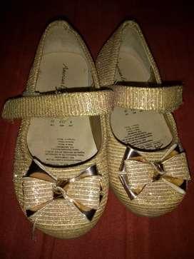 Zapatos para bebe marca americaneagle como nuevos