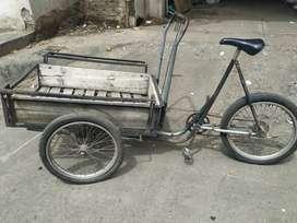 Triciclo de carga $  290.000