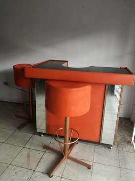 Vendo mueble bar con 2 sillas