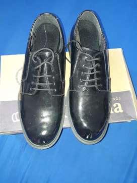 Vendo zapatos charol