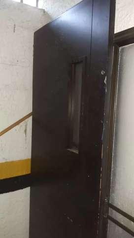 Puerta en madera corredizas de baño