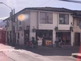 Arriendo local comercial frente a kikos del ulloa