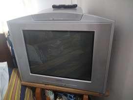 Televisor Sony Trinitron 29 Pulgadas con teatro en casa 5.1 Incluido