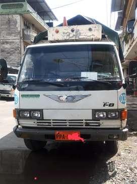 Camión HINO FB