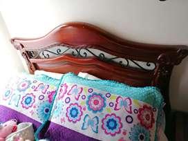 Hermosa Cama incluye colchón