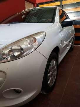 Peugeot 207 compact 2012 GNC