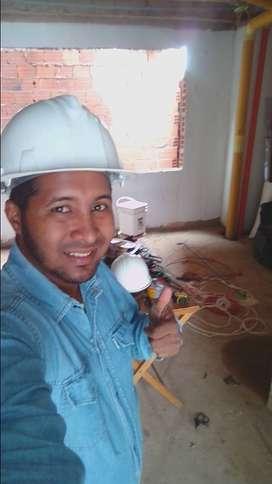 Buenos dias ofrezco mis servicios como maestro electricista y en todo el ramo de la construcion.
