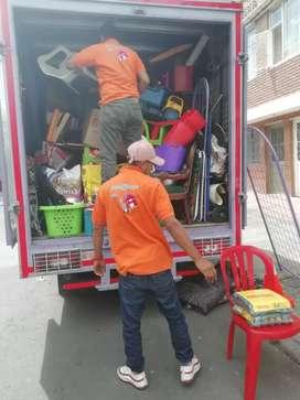 Mudanzas acarreos trasteos viaje flete ayudantes Bogotá urbanos servicio de carga camión furgón