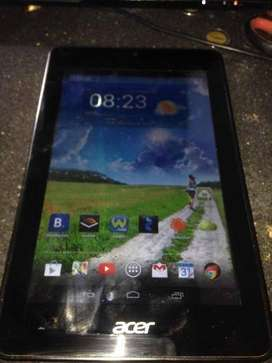 Tablet Acer iconia One usada