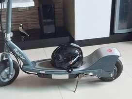 Patineta Razor E300 Scooter Eléctrica (gratis Casco Razor)