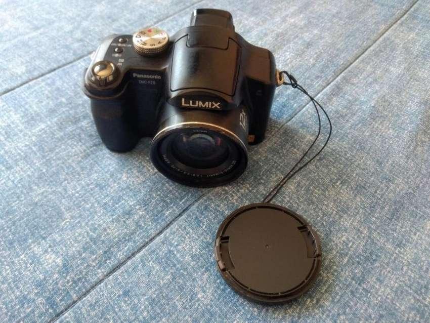 Vendo Cámara Panasonic Lumix Dmz-fz8 0
