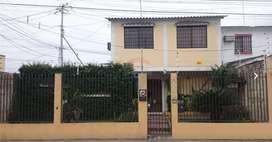Vendo casa comercial en la Francisco de Orellana - K. PADILLA - P. SILVA