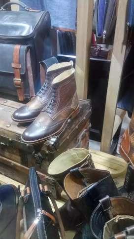 Maestro artesano en calzado busca trabajo