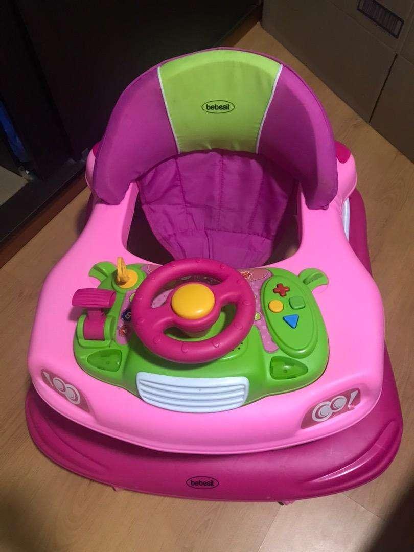 Caminador para bebé niña marca bebesit