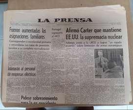 LA PRENSA 9 de febrero 1977 Contiene la carta de MONTONEROS a PERON, del paso a la clandestinidad. Y su respuesta.