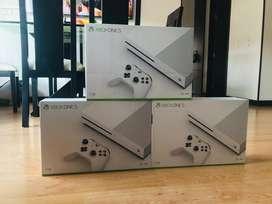 Vendo xbox one s disco duro de una tera con un control nueva sellada garantia de un año servicio a domicilio