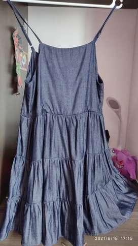 Vendo vestido para niña talla M