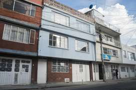 INTERESANTE CASA EN LA ESPAÑOLA (Renta-Inversión-Negocio) – Buen precio, súper bien ubicada- dos cuadras a la Calle 80
