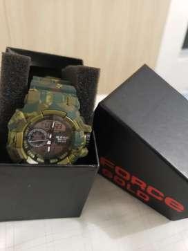 Se vende Reloj G-Force Gold