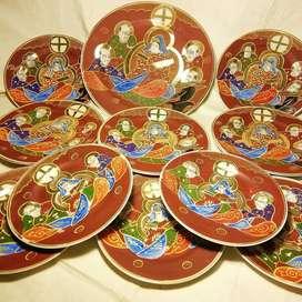 Para Mesa de Fiesta : Vajilla SATSUMA, Japón.Plato bandeja  y platos chicos de servir