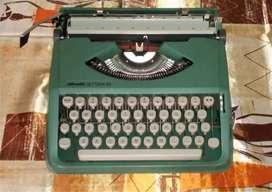 Máquina de escribir Olivetti lettera-82