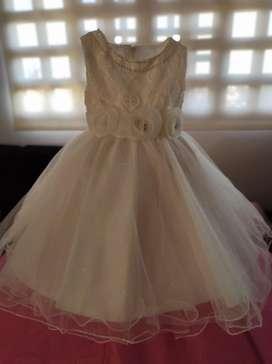 Hermoso vestido de niña de 24 a 36 meses