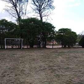 Terreno +piscina+canchita fútbol+construcción basica