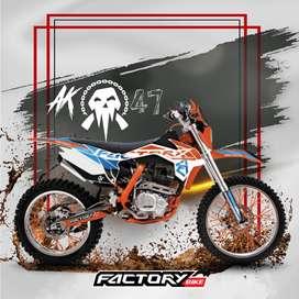 se vende moto factoy AK44