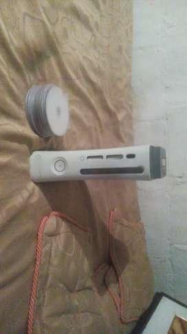 Xbox 360 a la venta con juegos y control