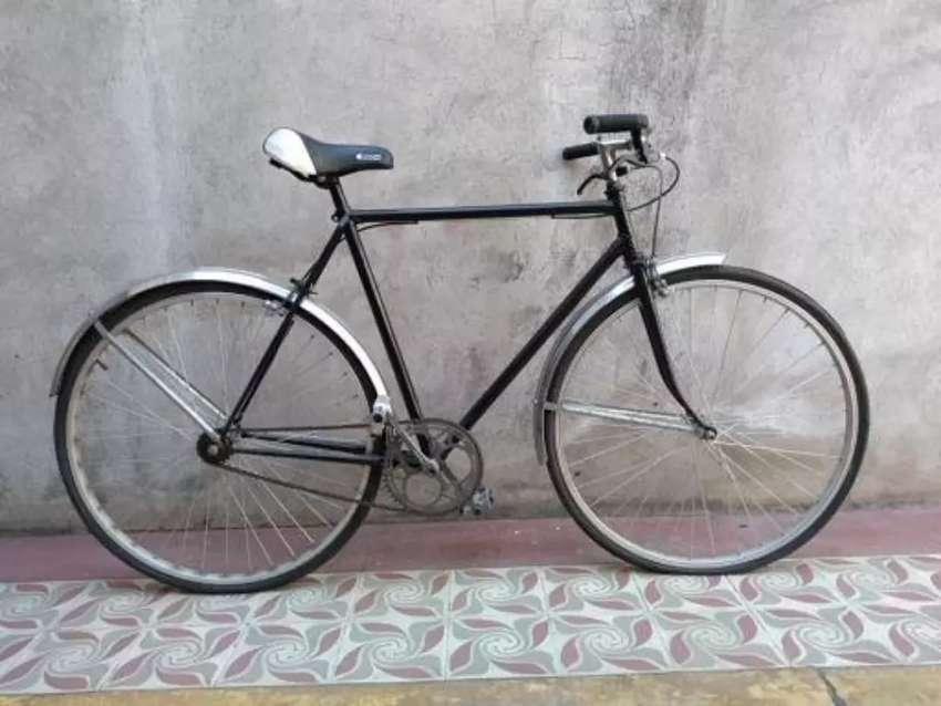Bicicleta antigua de competencia 0