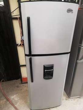 Nevera centrales 270 litros en 580 con acarreo gratis