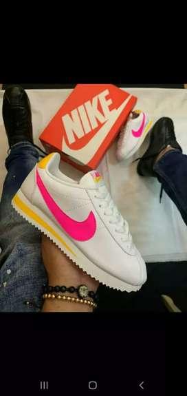 Nike cortez dama
