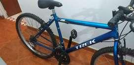 Bicicleta marca Trek, color azul para la venta