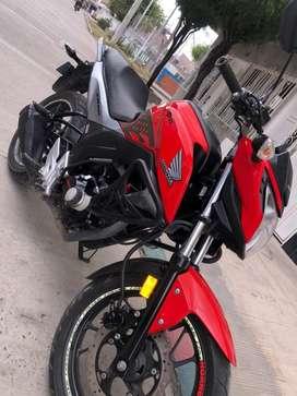 Se vende moto honda cb 160 f, excelente estado