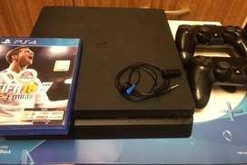 PS4 1tb Slim ( 2 joystick + 1 juego)