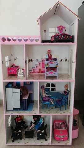 Se Vende Casa de Muñecas para Barbie