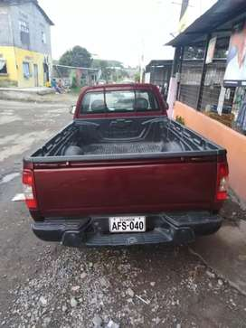 Se vende vehículo a buen precio
