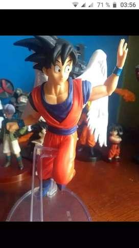 Figura de Goku Angel