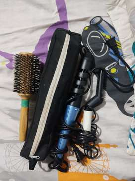 Plancha de cabello, rizadora, miniplancha y cepillo.