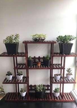 Repisas en madera para el hogar y el Jardín